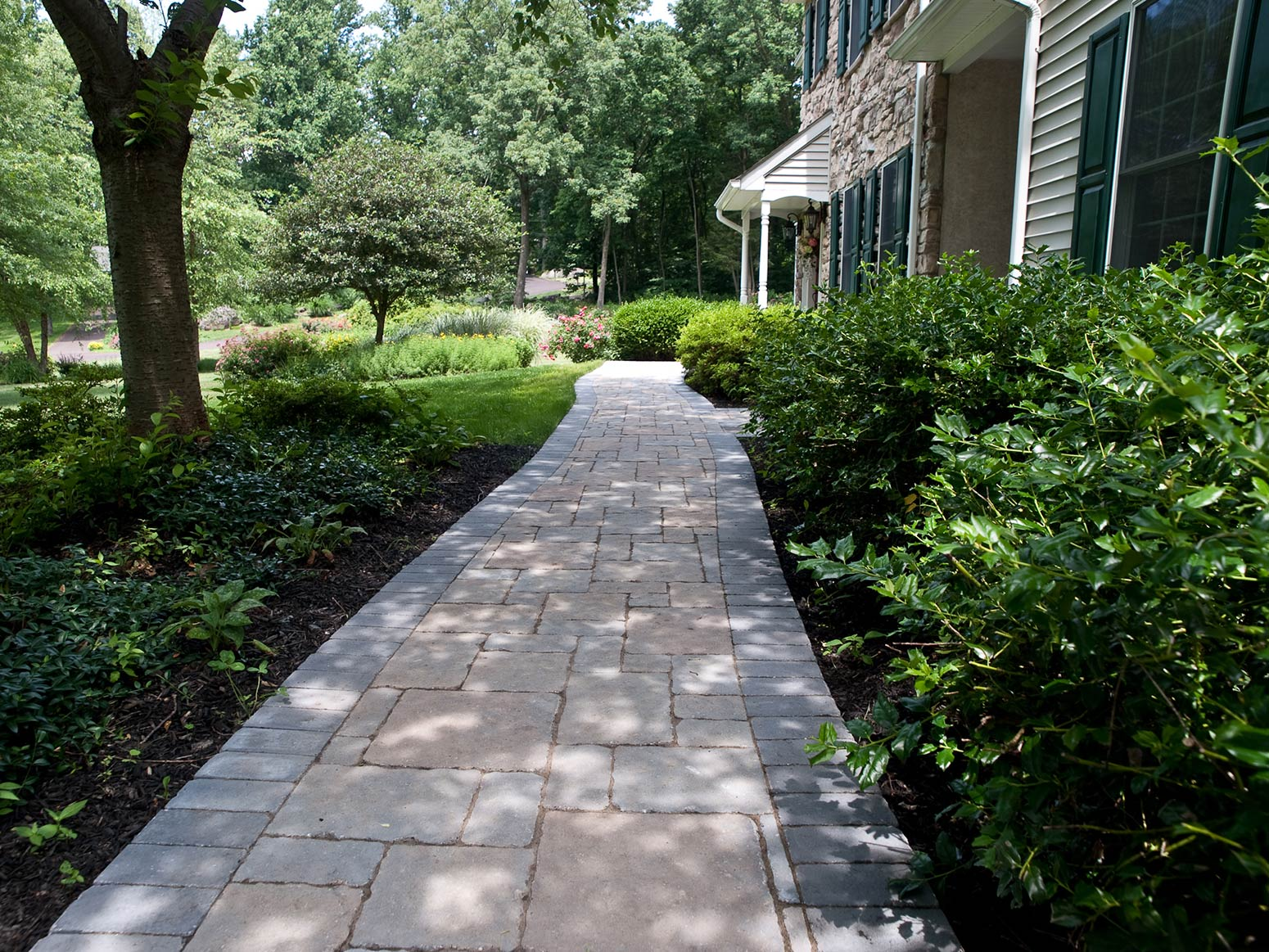 Natural stone ep henry paver walkways brick patio designs paver installation doylestown for Natural stone walkways