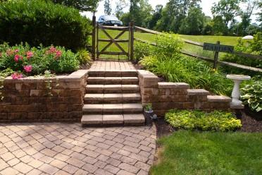 Retaining Walls, Sitting Walls & Steps